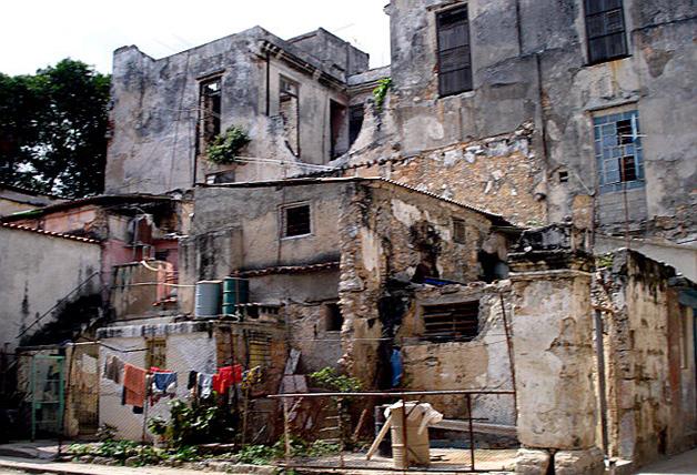 Cuba, los Daños Colaterales