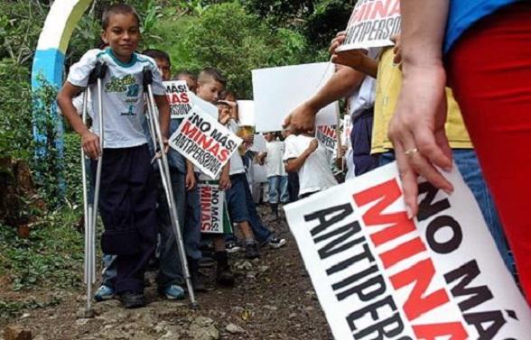 GUERRA Y PAZ EN COLOMBIA | Periodismo sin Fronteras