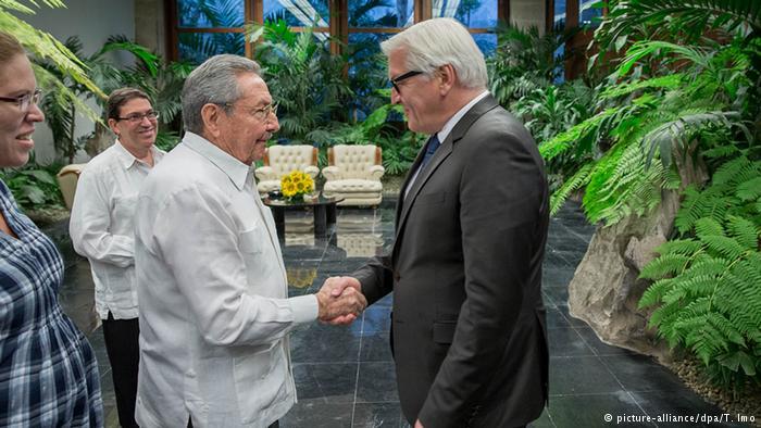 Raúl Castro recibió a ministro alemán de Relaciones Exteriores | América Latina | DW.COM | 17.07.2015