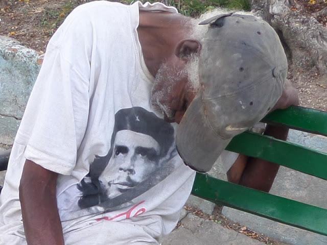 Fotos de la semana: El Che indigente - Centro de Información Hablemos Press