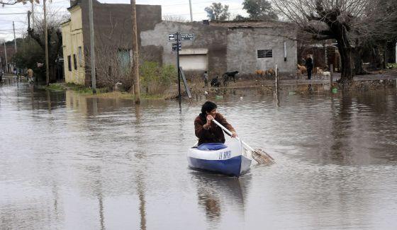 Las inundaciones entran en la campaña electoral argentina   Internacional   EL PAÍS