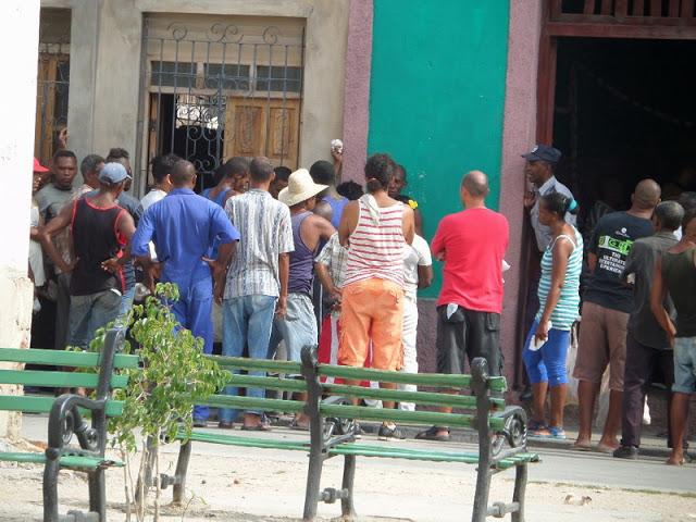 El hambre revolucionaria, lo cotidiano en Cuba - Centro de Información Hablemos Press