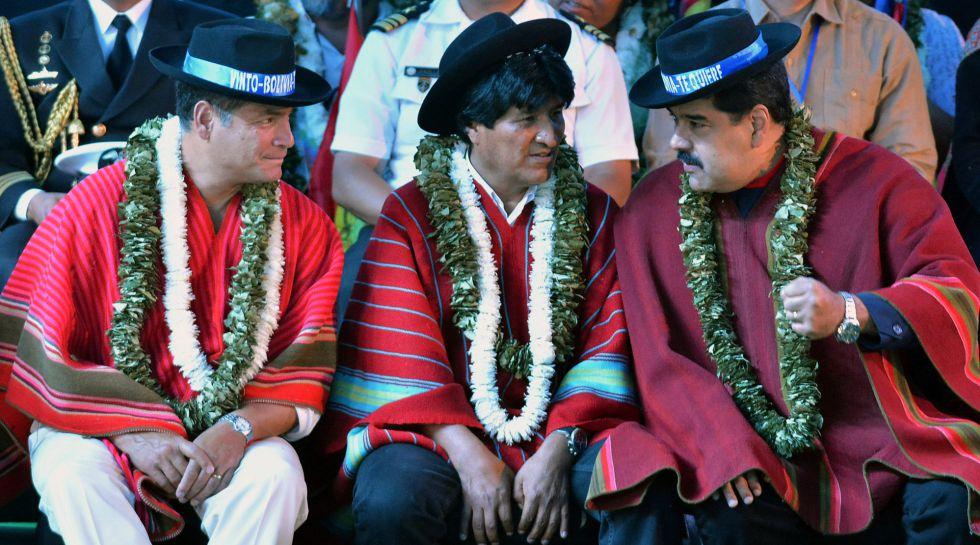 Maduro habla con Morales y Correa, en una cumbre en Bolivia, en octubre.
