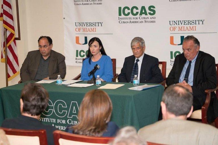 Miembros del panel que denunció la situación de los presos políticos en Argentina, en una conferencia en la Universidad de Miami.
