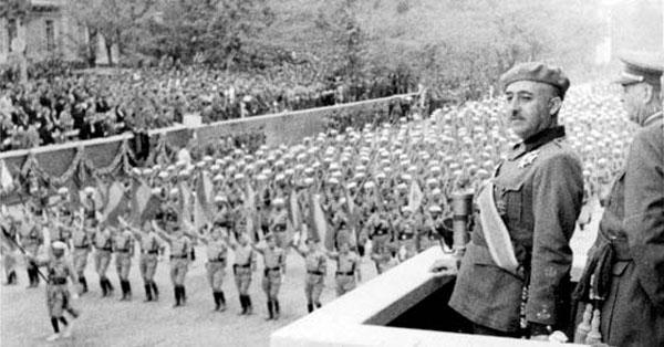 Franco desfile Día de la Victoria
