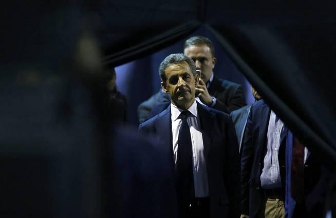 El expresidente francés Nicolas Sarkozy a su llegada a un acto electoral en Nimes, Francia (Efe).