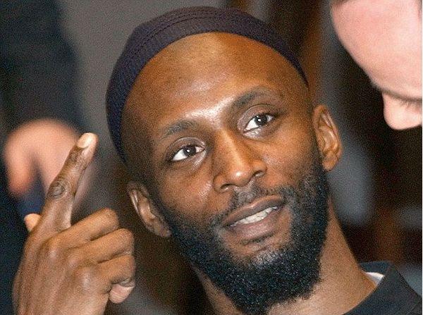 Jamal al Harit cambió su nombre desde Ronald Fiddler, tras su conversión al islam en 1994. Luchó con ISIS con el nombre de Abu Zakariya al-Britani (AP)