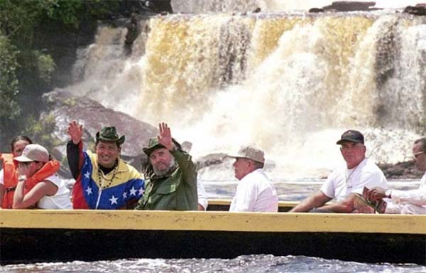 Chávez y Castro en Canaima