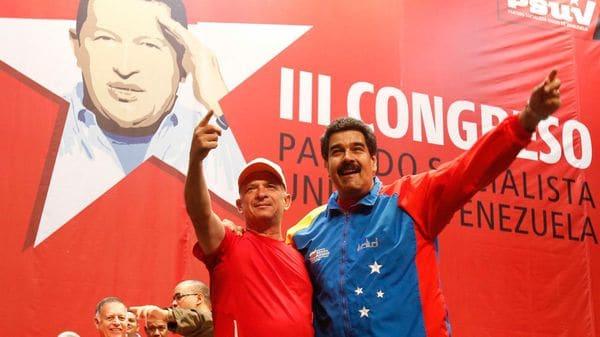 Hugo Carvajal con NicolásMaduro, cuando fue recibido en Venezuela como un héroe tras ser detenido por narcotráfico
