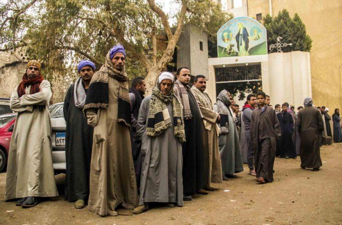 Funeral por un atentado de cristianos coptos /