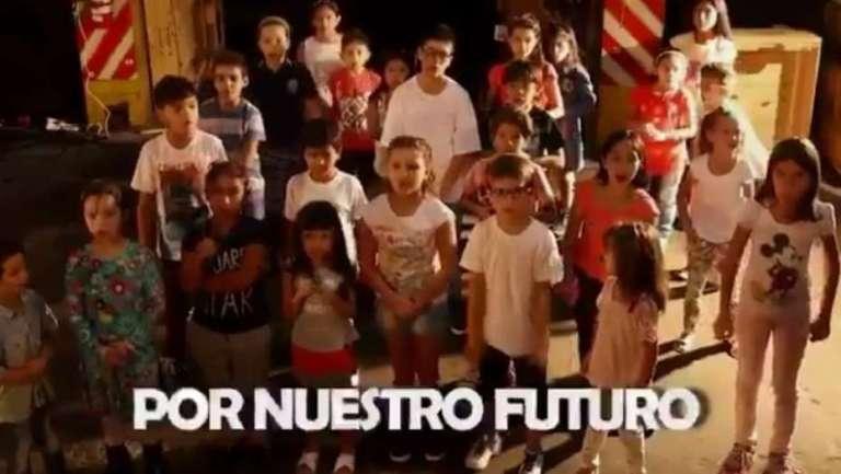 Polémica por un video de la CGT: chicos llaman al paro