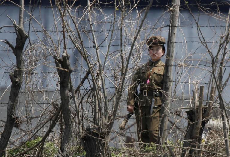 Mujer soldado en Corea del Norte