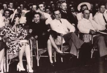 Perón y Evita el 22 de enero de 1944, día en que se conocieron en el Luna Park durante un acto a benéfico.