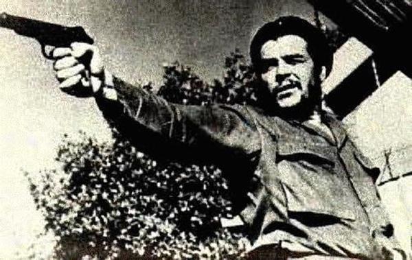 Che Guevara matando