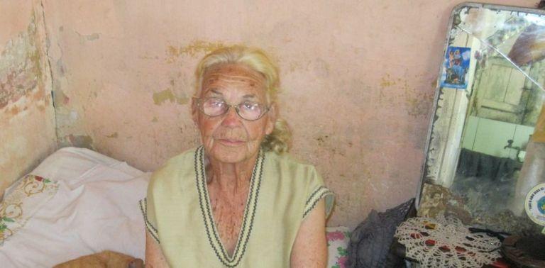 Carmen Rosa Berty Valdés no puede regresar al país que escogió como hogar desde 1961. (Nelson Rodríguez)