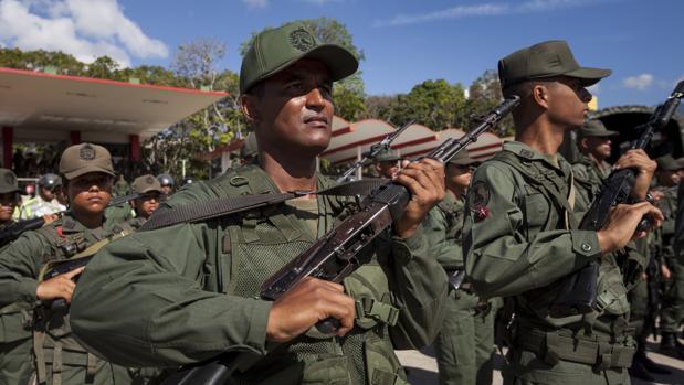 Resultado de imagen para Generales venezolanos adiestran a francotiradores para matar a manifestantes