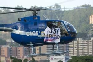 Resultado de imagen para Disparos y dos granadas fueron despedidos de helicóptero que sobrevoló TSJ
