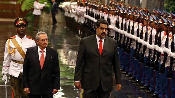 Raúl Castro y Nicolás Maduro (EFE)