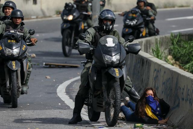 Paula Colmenárez fue detenida el lunes 10 de julio en el distribuidor Altamira. Fotografía de Miguel Gutiérrez para EFE