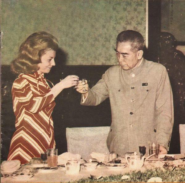 En 1973, Isabel Perón visitó China. En la foto, con el primer ministro Zhou Enlai