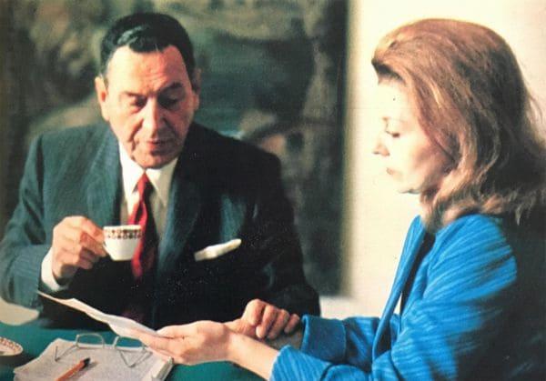 Durante su largo exilio, Perón intercambió correspondencia con numerosas personas en la Argentina. Aquí en su residencia de Puerta de Hierro (Madrid) con Isabel