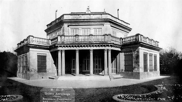 El frente del chalet en 1922