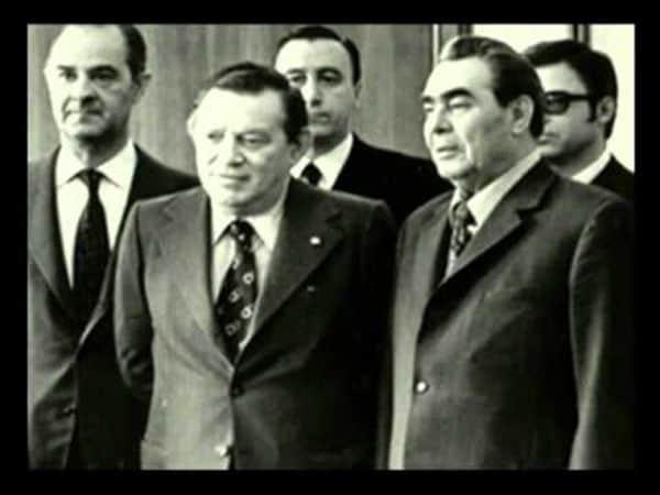 José Ber Gelbard junto a Leonid Brezhnev, jefe de Estado soviético, durante una gira por la URSS (mayo de 1974)