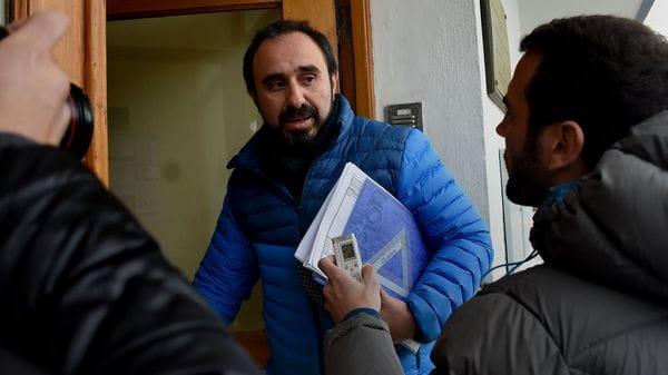 Guido Otranto ingresando al Juzgado Federal de Esquel (Nicolás Stulberg)