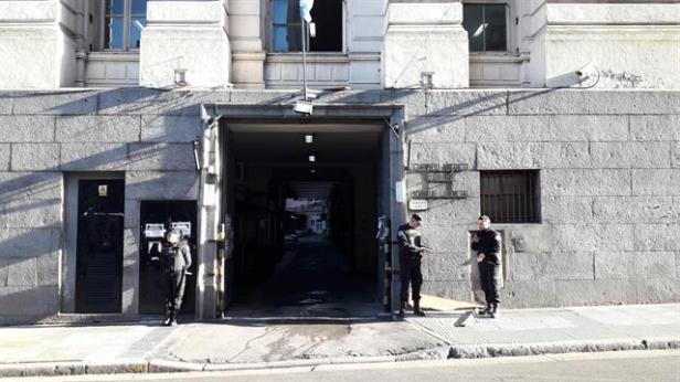 Peritos de parte y alrededor de 50 personas participaron del proceso de la autopsia que se llevó a cabo ayer en la morgue judicial de Buenos Aires