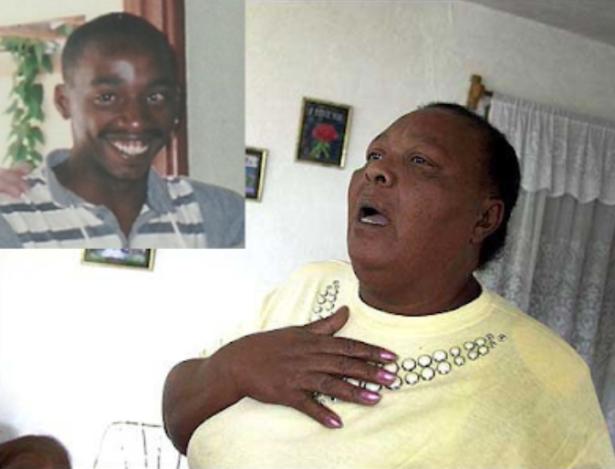 Ramona Copello llora la ejecución de su hijo Lorenzo Enrique en 2003