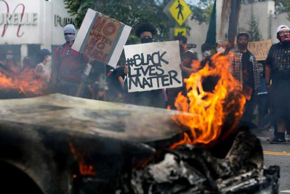 muchos creen que George Soros está detrás de los recientes disturbios violentos en América