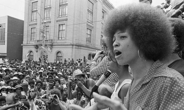 la activista angela davis ha estado impulsando el marxismo desde la década de 1960