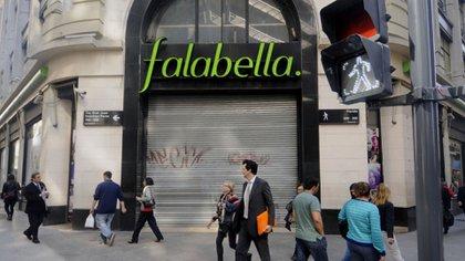El local de la calle Florida, uno de los primeros que cerrará la chilena en el país