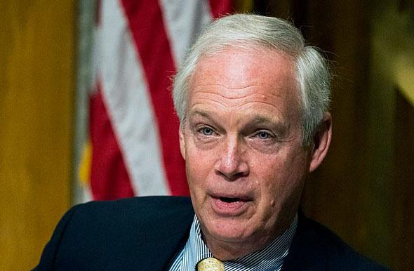 el presidente ron johnson confirmó que el comité de seguridad nacional del senado está investigando los correos electrónicos