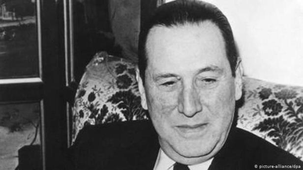 No se sabe exactamente dónde conoció Isabel a Juan Perón.