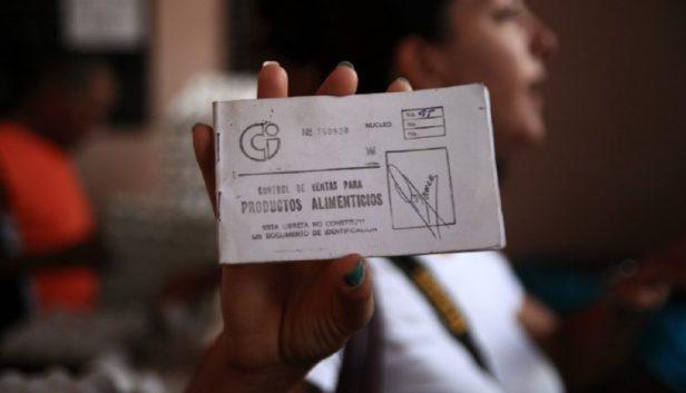 Gobierno cubano anuncia estrictas medidas a cumplir para los que deseen seguir utilizando la libreta de abastecimiento
