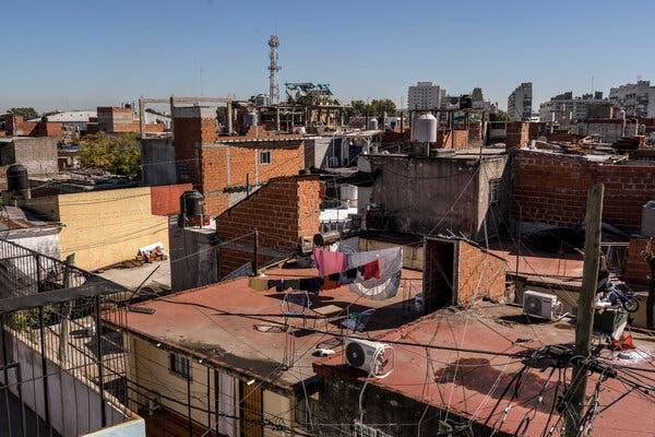 Barrio de la Sra. Huanca.  La devastación económica mundial de Covid-19 ha sido especialmente dura en Argentina, que entró en la pandemia en plena crisis.