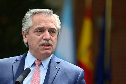 Desde Europa, en donde realiza una gira oficial, el Presidente y el canciller Felipe Solá se expresaron sobre los ataques a Israel